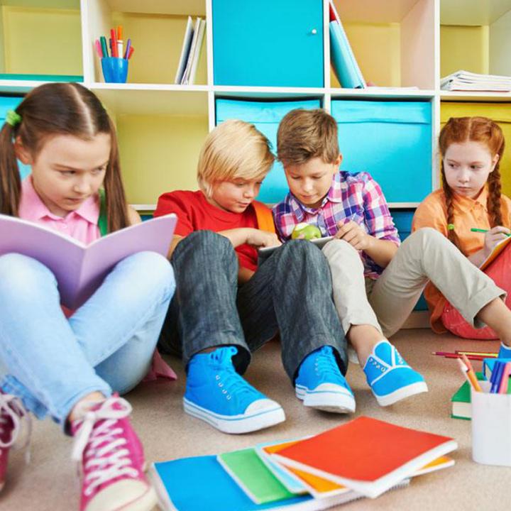 少儿小学初高中课程培训班幼儿园招生-广告模板